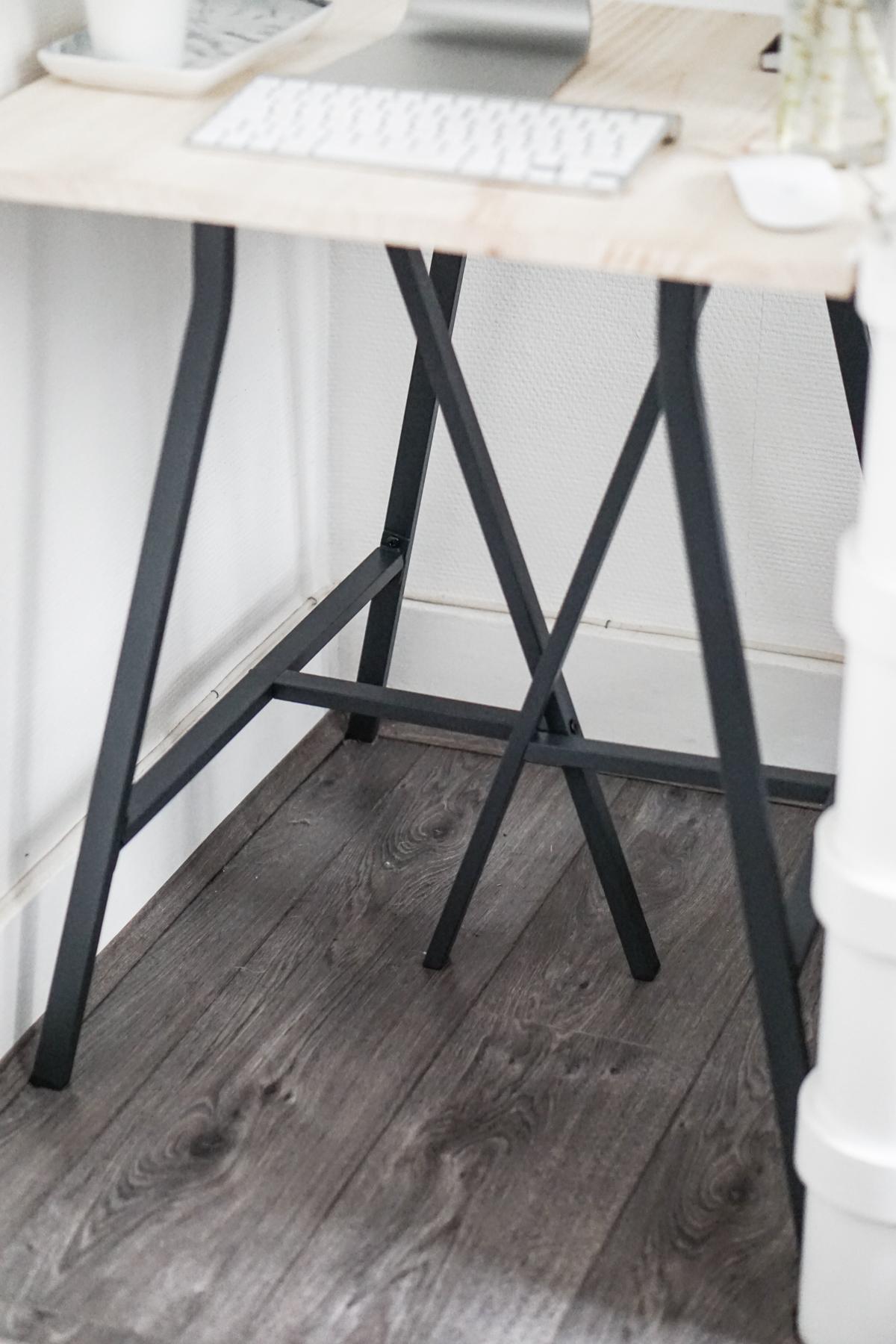 Diy un bureau pour moins de 30 noholita blog - Planche de bois pour bureau ...