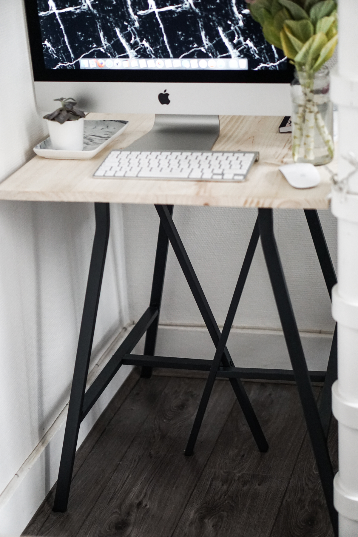 diy un bureau pour moins de 30 n o h o l i t a. Black Bedroom Furniture Sets. Home Design Ideas
