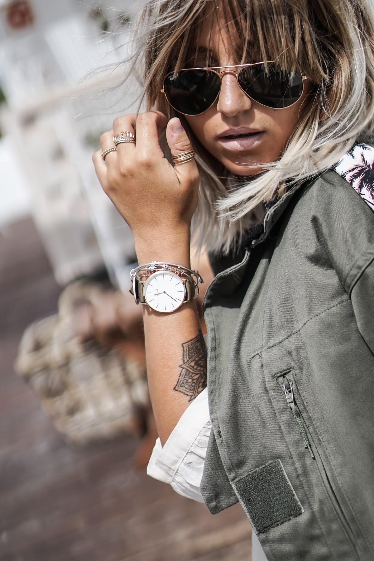 ba77ac7fd21b7b Hello les filles, petit post non pas à propos de mes bijoux en général mais  de mes montres. Comme vous avez pu le remarquer, je ne sors quasiment  jamais ...