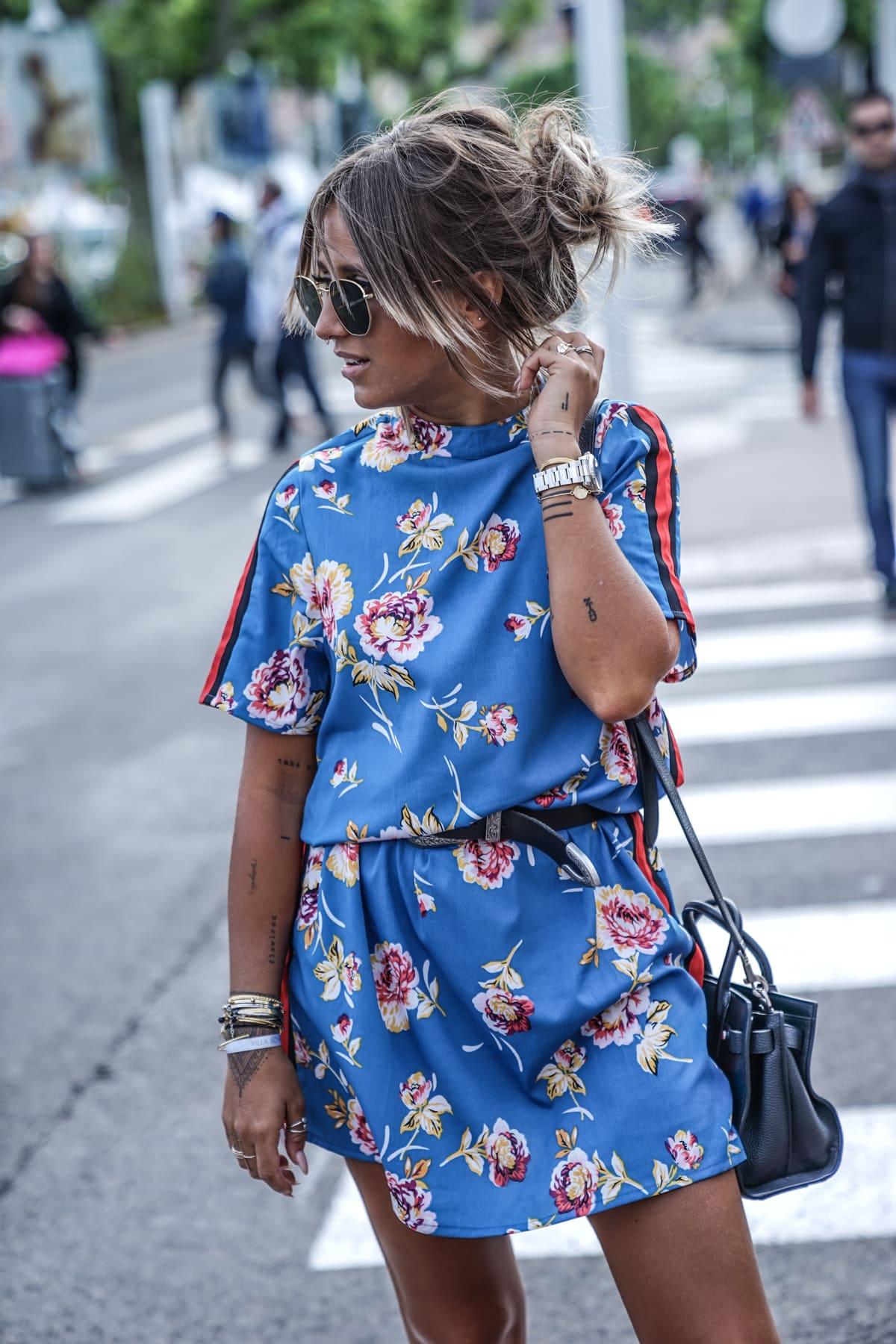 Yeni Moda Spor Tarzı Çiçek Elbiseler